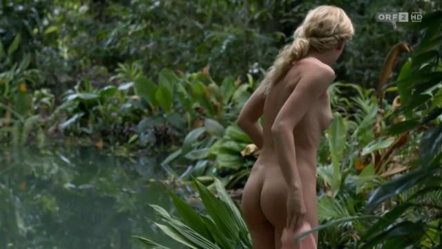 Isabell Gerschke nude - Fluss des Lebens Verloren am Amazonas (2013)