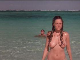 Kelly Brook nude - Three (2005)