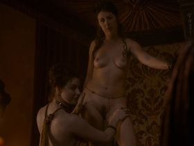 Maisie Dee nude - Game of Thrones s02e04 (2012)