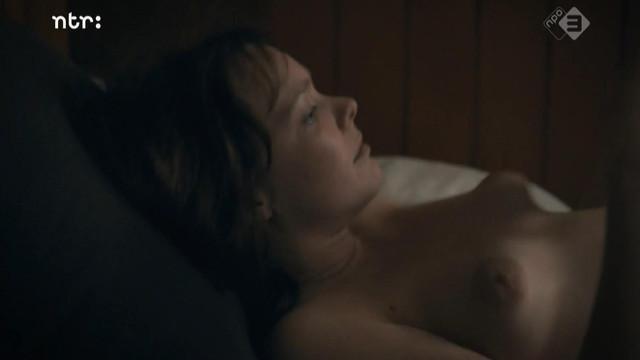 Viktoria Winge nude - Op De Dijk (2016)