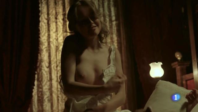 Esmeralda Moya nude - Victor Ros s02e01 (2016)