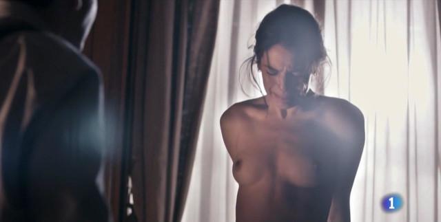 Claudia Traisac nude - La Sonata Del Silencio s01e07 (2016)