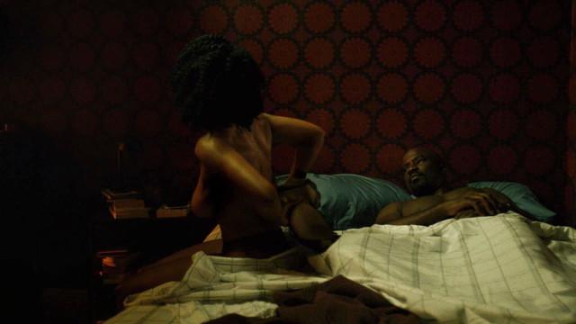 Simone Missick sexy - Luke Cage s01e01 (2016)