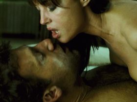 Monica Bellucci nude - Shoot 'Em Up (2007)