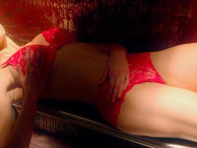Sidney Leeder sexy - Debug (2014)