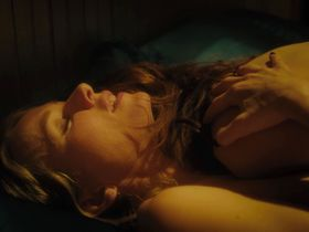 Naomi Watts nude, Sophie Cookson nude - Gypsy s01e07 (2017)