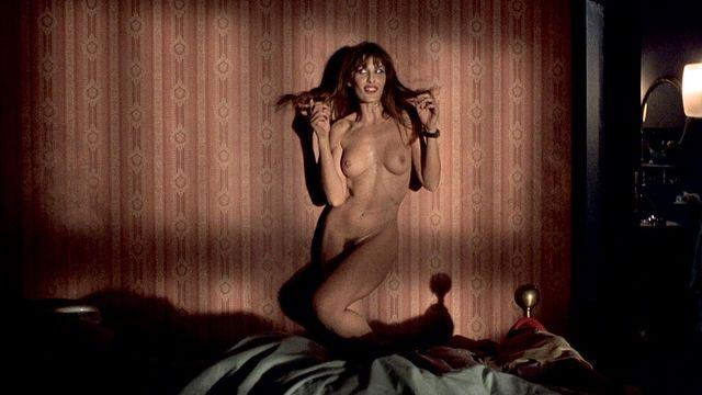 mia sorvino naked