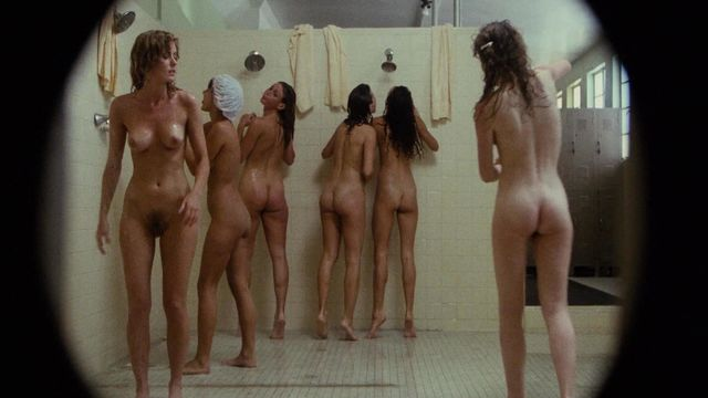 hot chicks naked in the locker room pictures