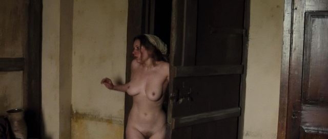 fully nude actress scenes