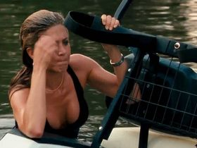 Jennifer Aniston sexy - The Bounty Hunter (2010)