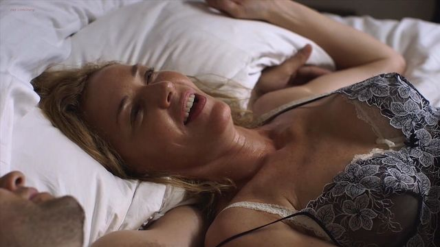 Sara paxton sex scene