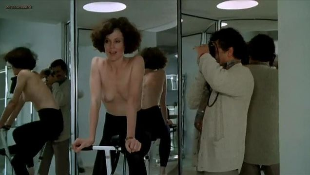 Sigourney weaver hot naked porn