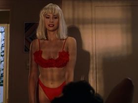 Mira Sorvino sexy - Summer of Sam (1999)