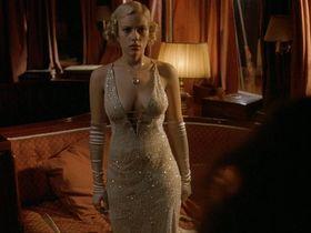 Scarlett Johansson sexy, Helen Hunt sexy - A Good Woman (2004)