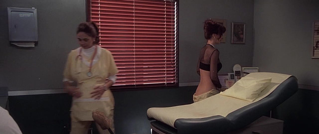 Janine Turner sexy - Dr. T and the Women (2000)