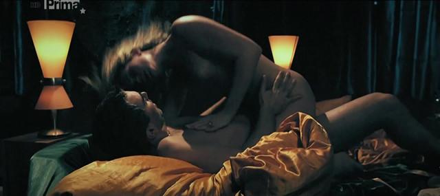 Katerina Sedlakova nude - Ulovit miliardare (2009)