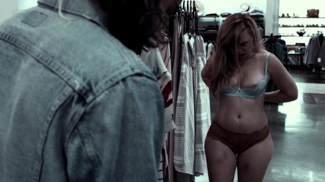 Amanda Fuller nude - Fashionista (2016)