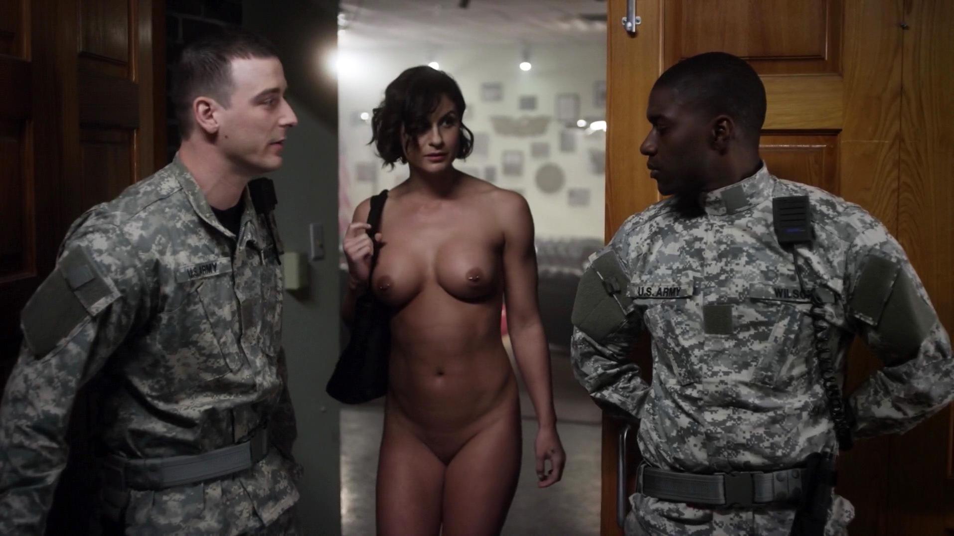 Maria Rogers nude - Cat Run 2 (2014)