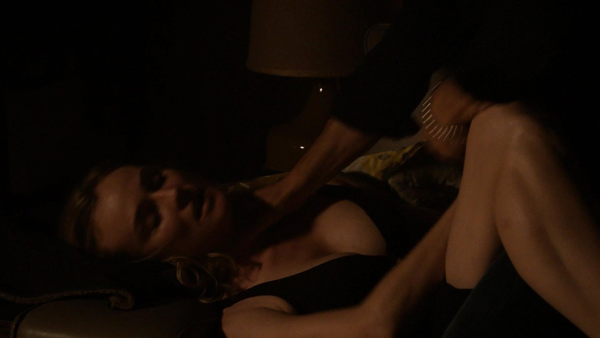 Diane Kruger sexy - The Bridge s02e04 (2014)
