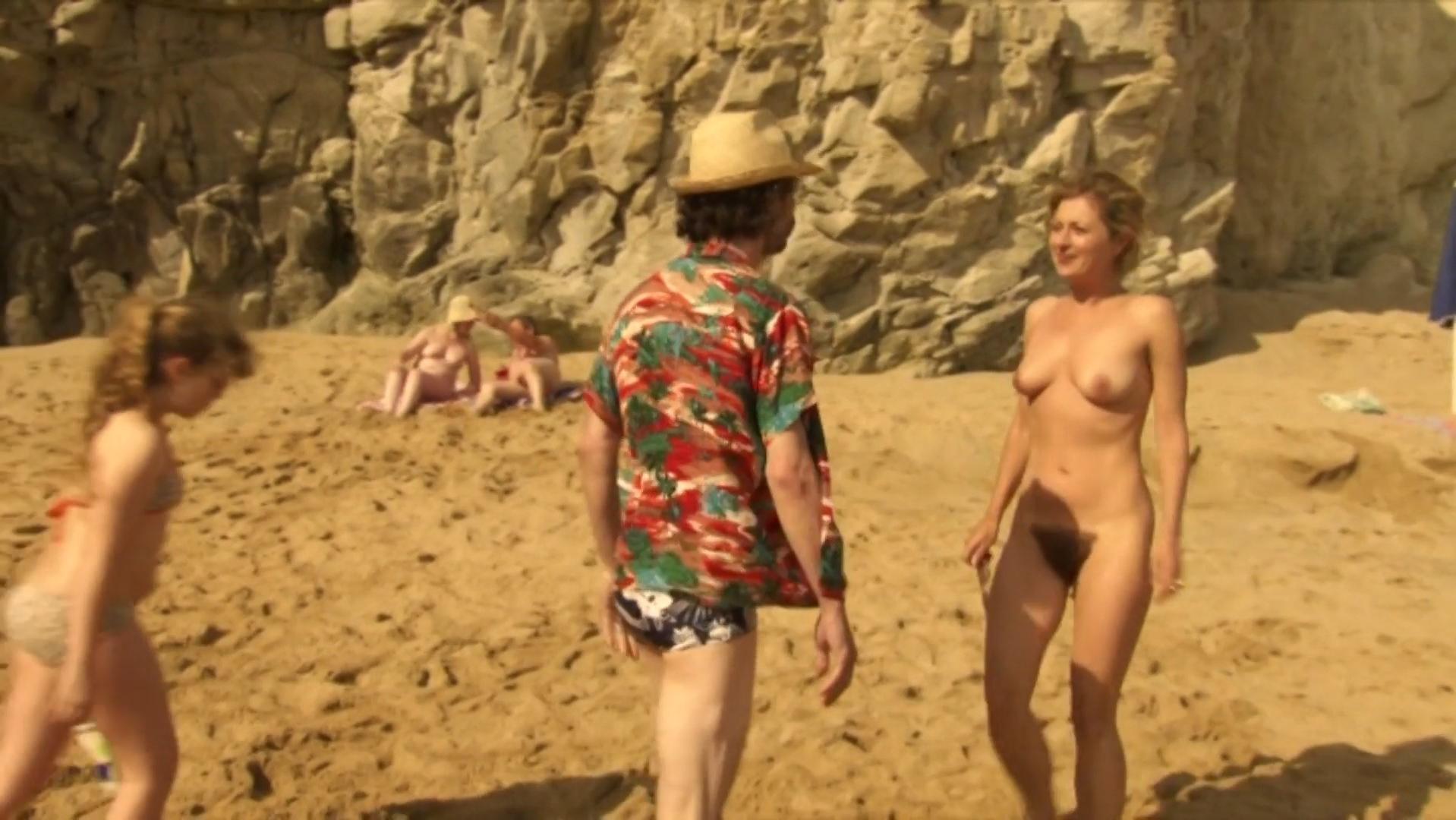 Sandrine Bodenes nude - Le Skylab (2011)