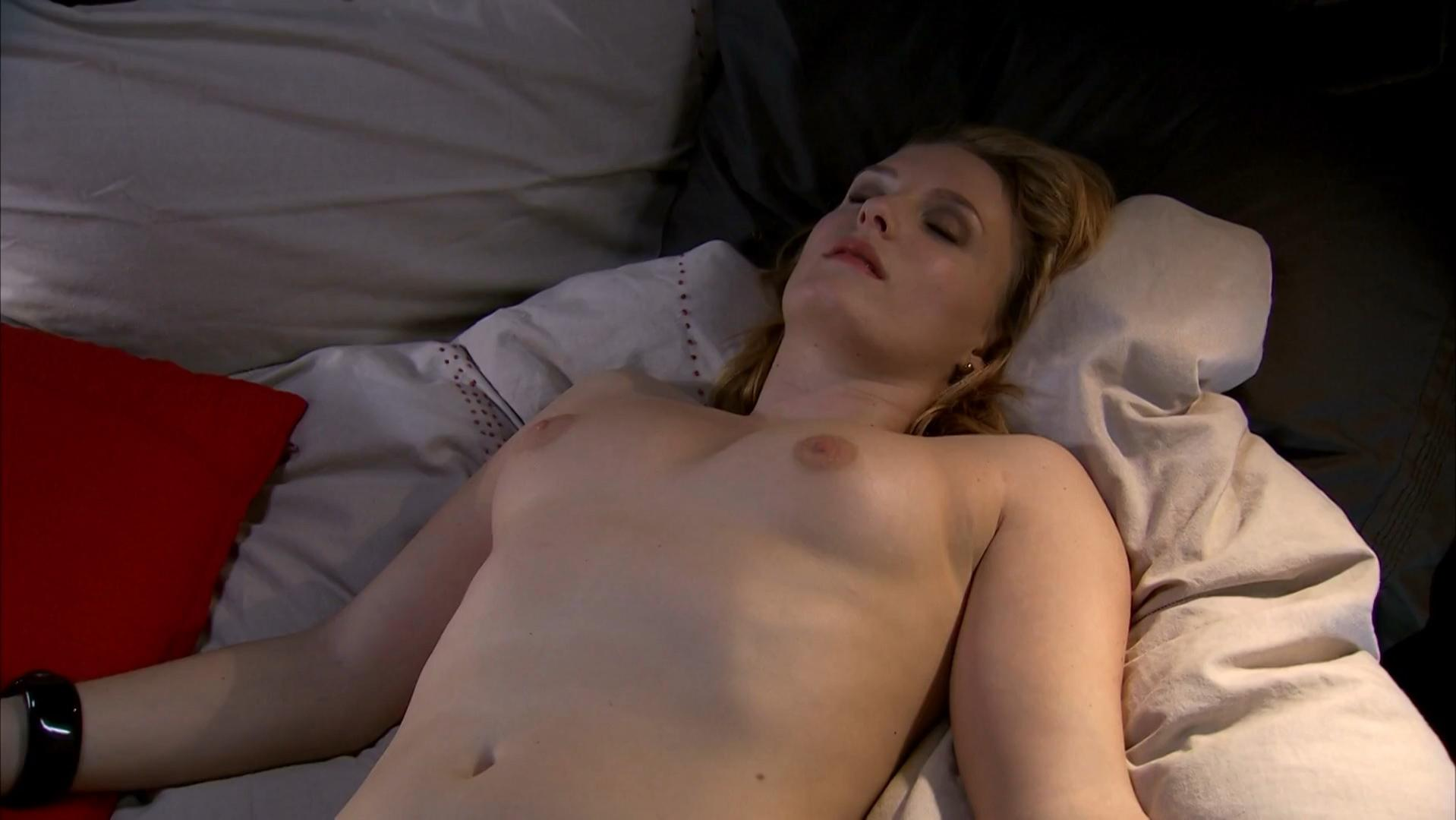 Rachel Blampied nude - The Almighty Johnsons s01e02 (2011)