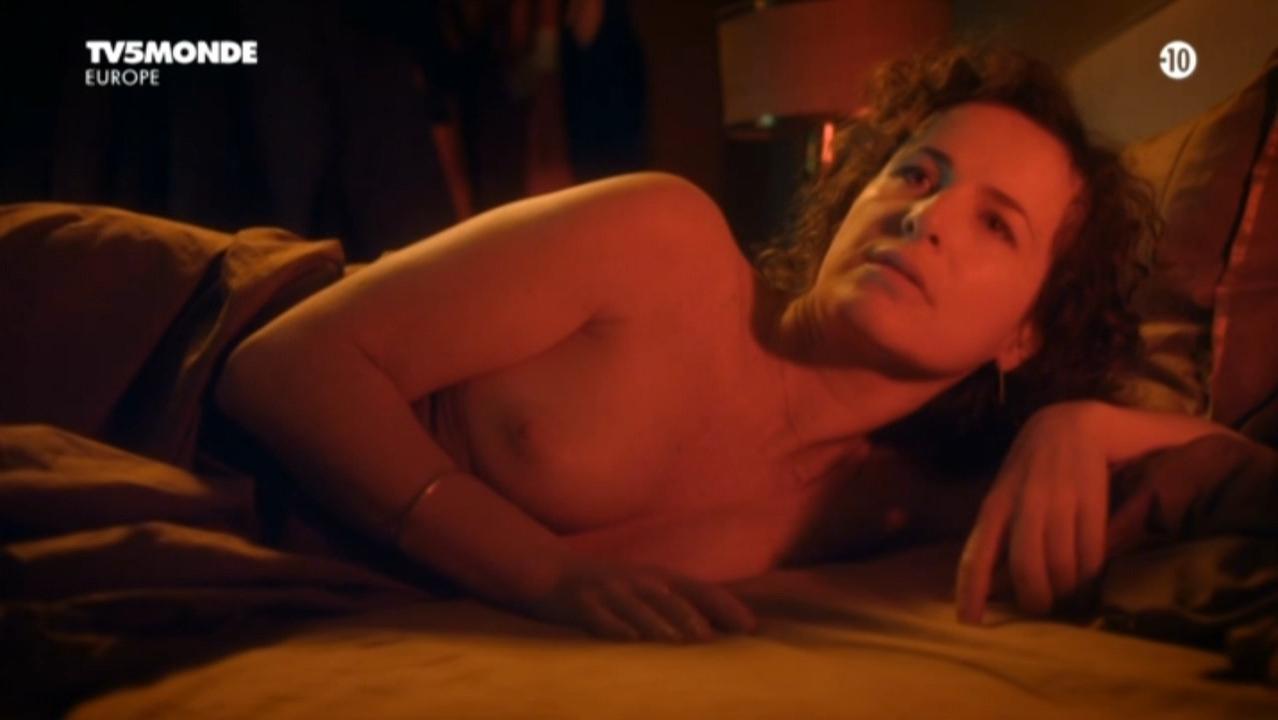 Sophie Le Tellier nude - Des soucis et des hommes s01e01-07 (2012)