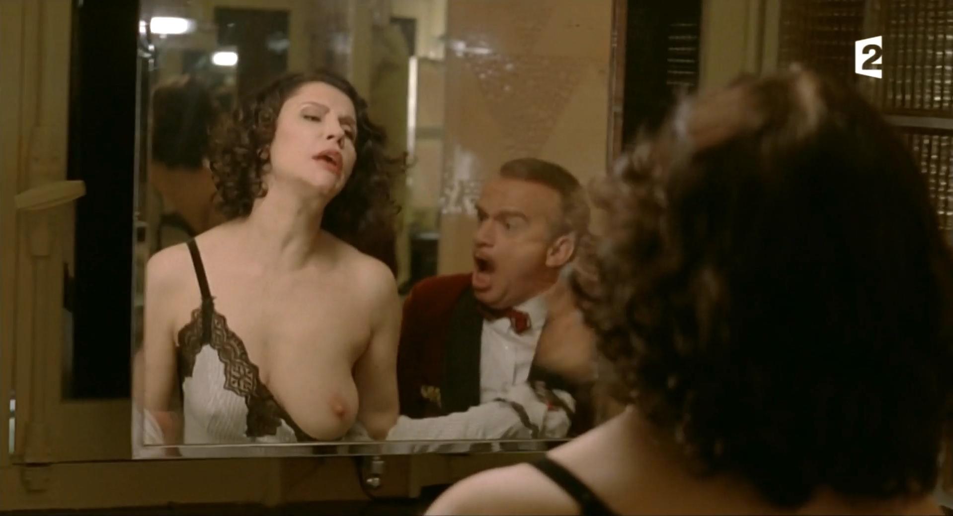 Alessandra Martines nude - Le Romancier Martin (2012)