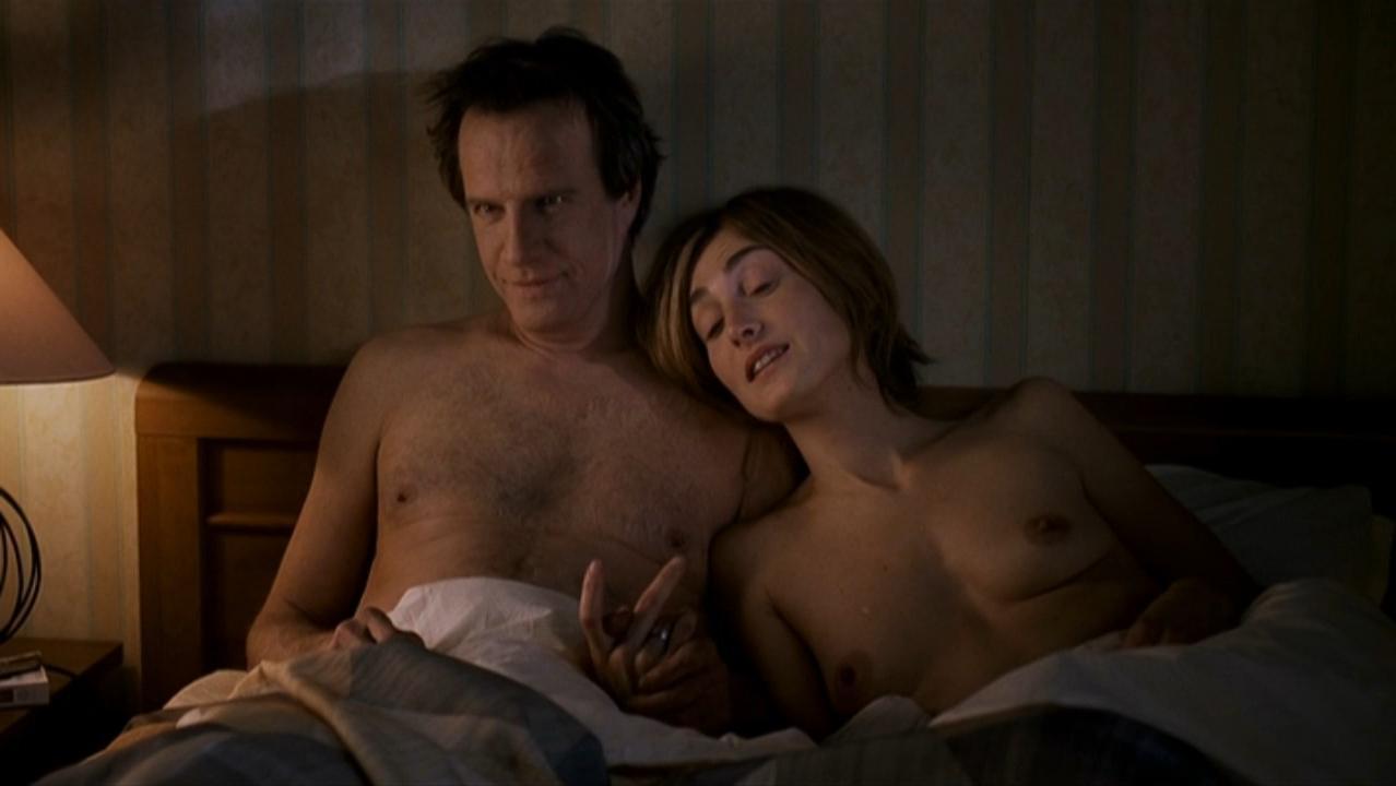 Julie Gayet nude - Le lievre de Vatanen (2006)