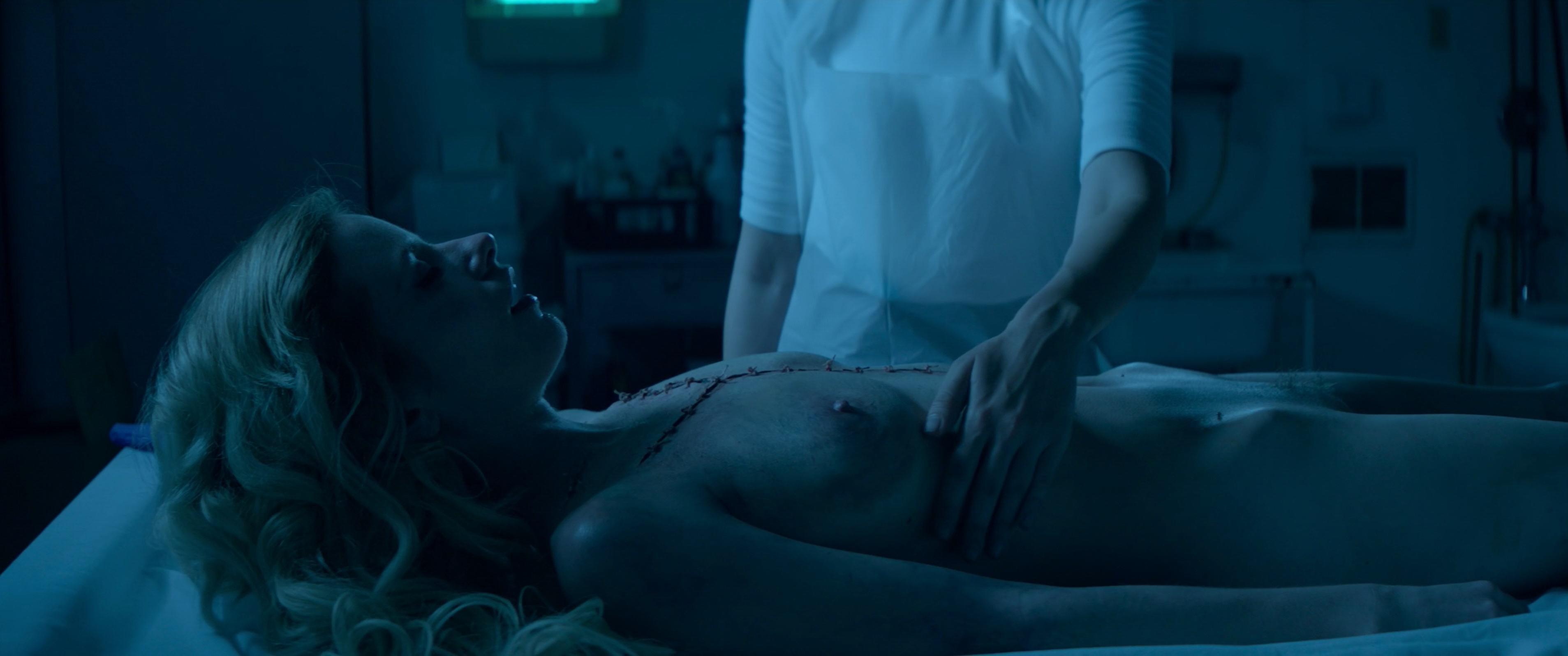 Cody Renee Cameron nude, Jena Malone sexy - The Neon Demon (2016)