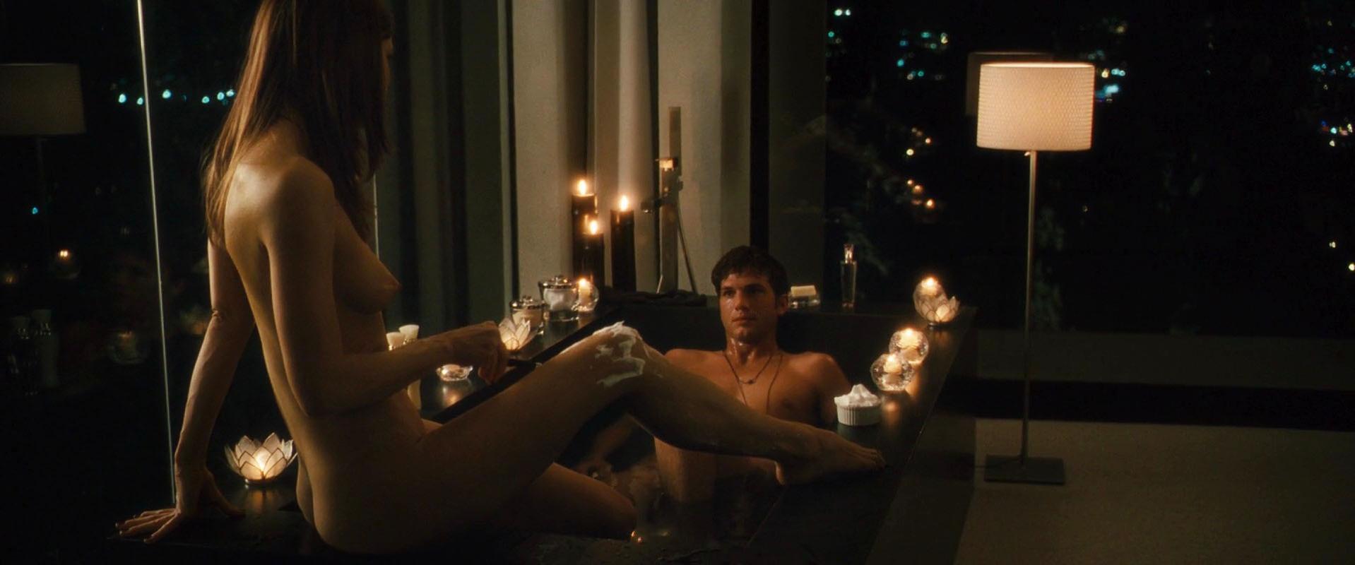 Rachel Blanchard nude - Spread (2009)