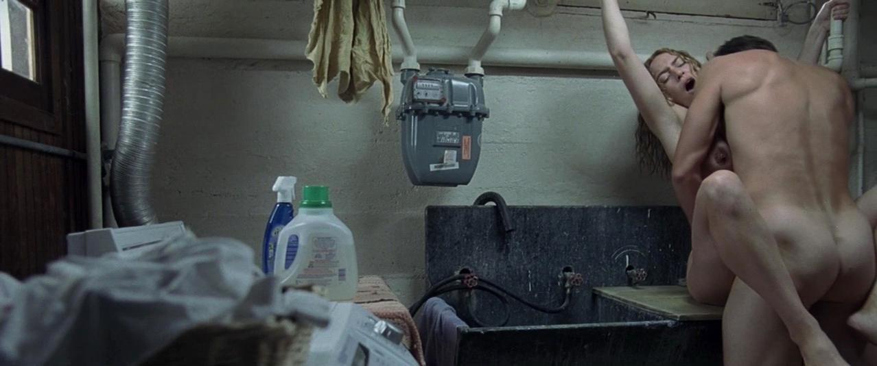 Kate Winslet nude - Little Children (2006)