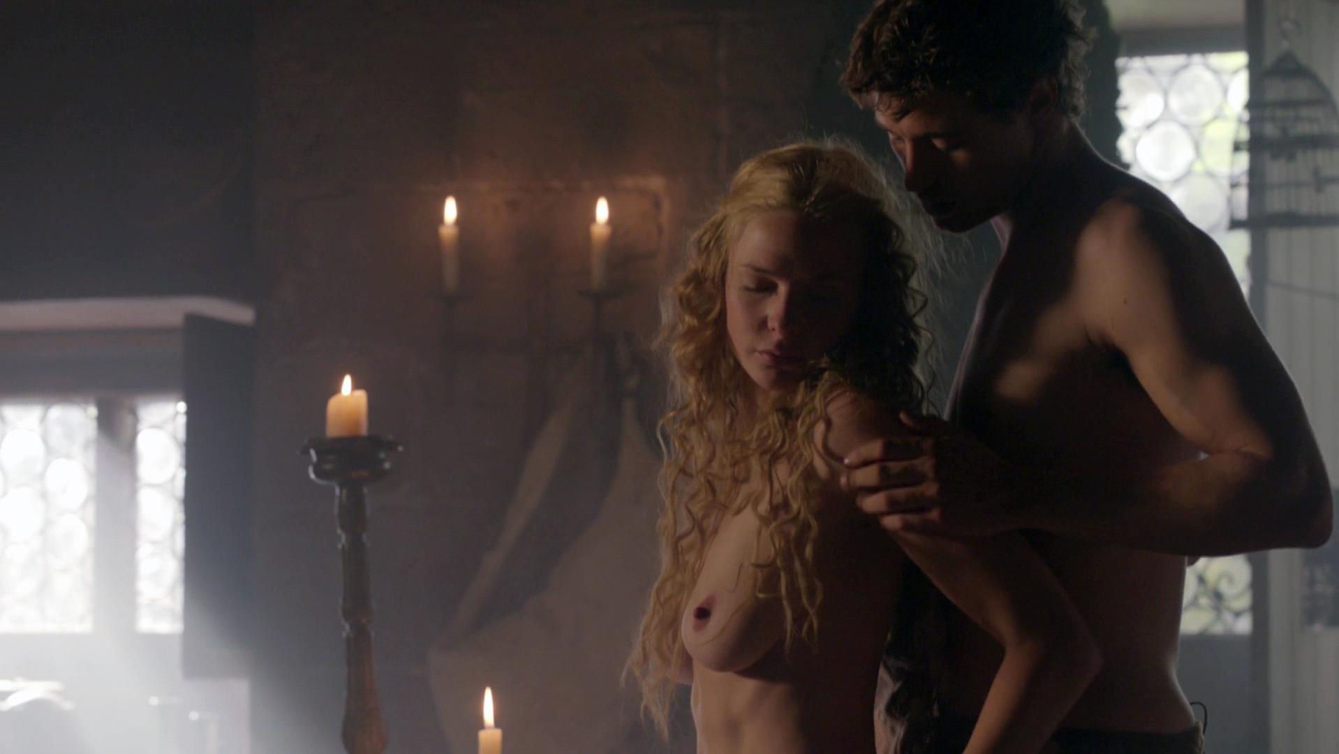 Rebecca Ferguson nude - The White Queen s01e01 (2013)