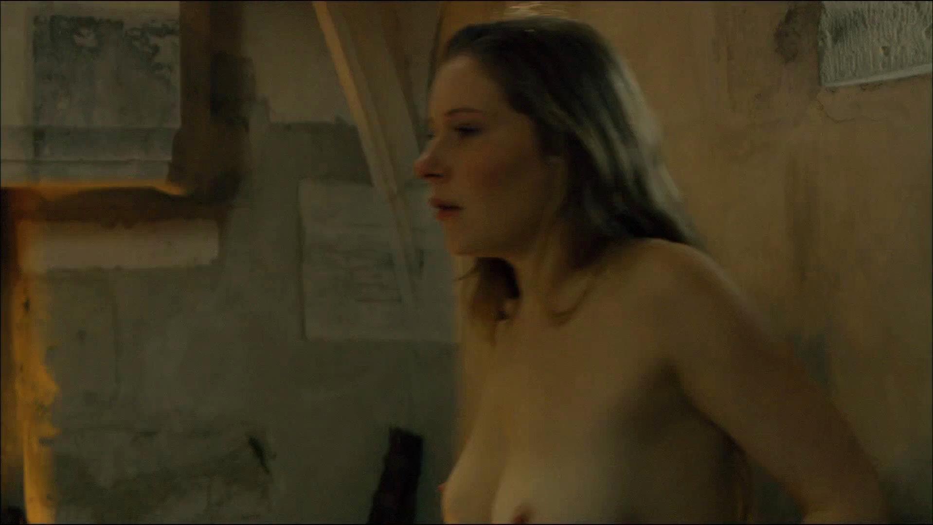 Ophelia Kolb nude - La Commanderie s01e04 (2010)