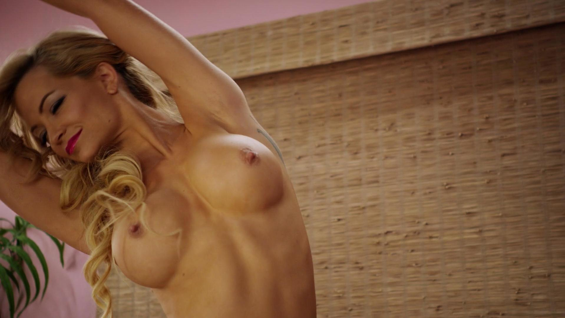 Mindy Robinson nude - Alpha House (2014)