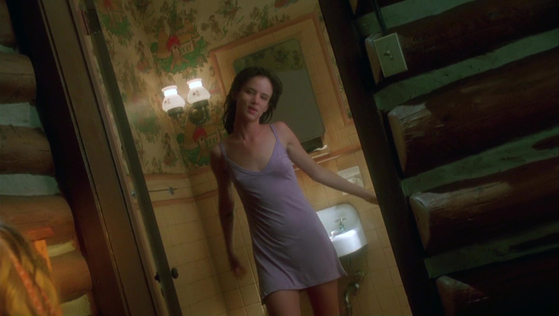 Juliette lewis nude boobs in strange days scandalplanetcom - 2 part 3