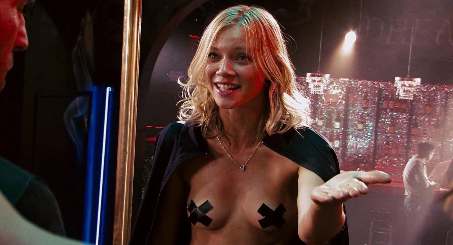 Amy smart naked picture