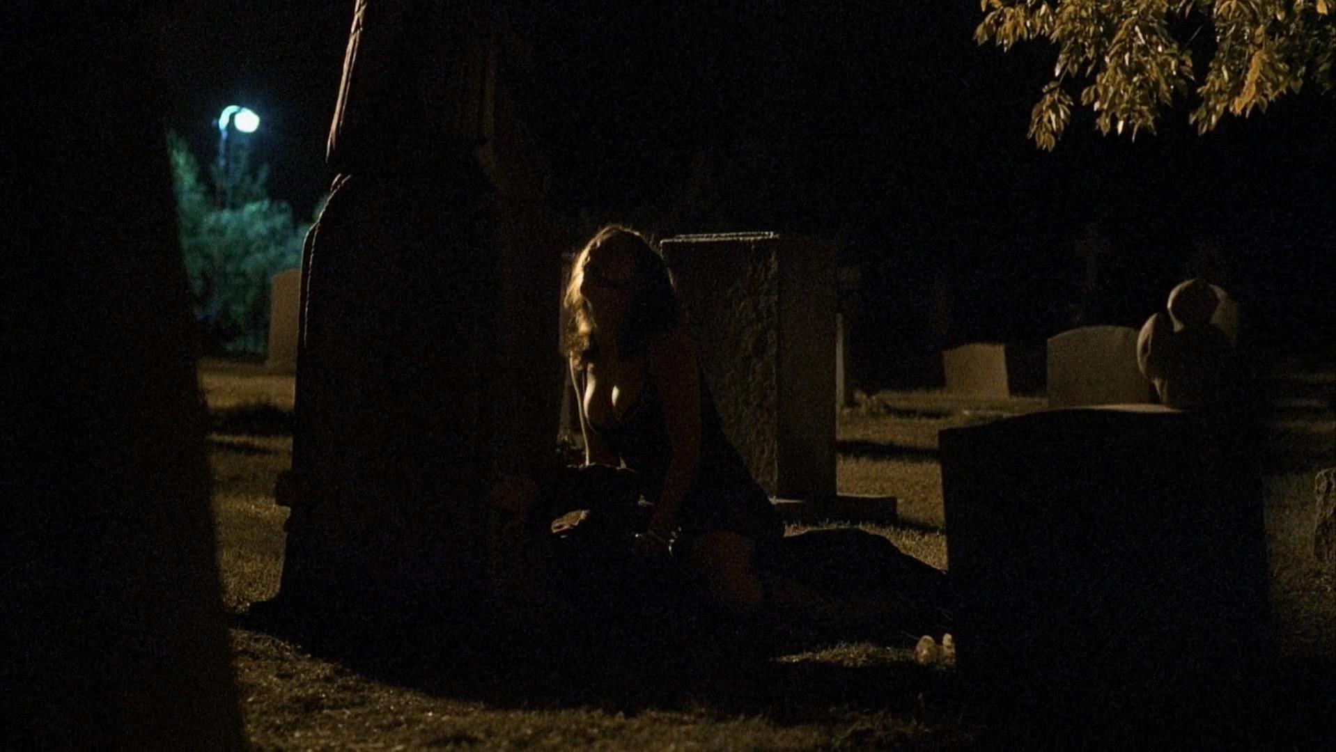 Фильм секс на кладбище