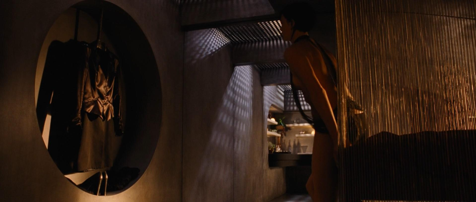 charlize-theron-aeon-flux-nude