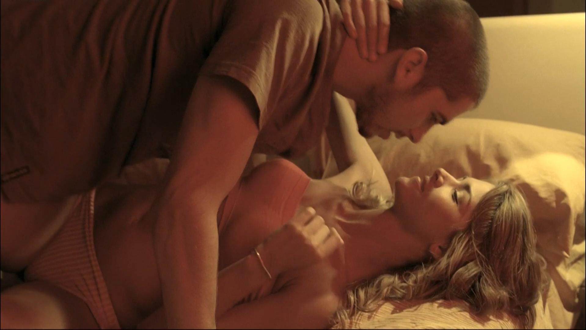 Lucia Ojeda nude, Anahi de Cardenas nude - Mancora (2008)