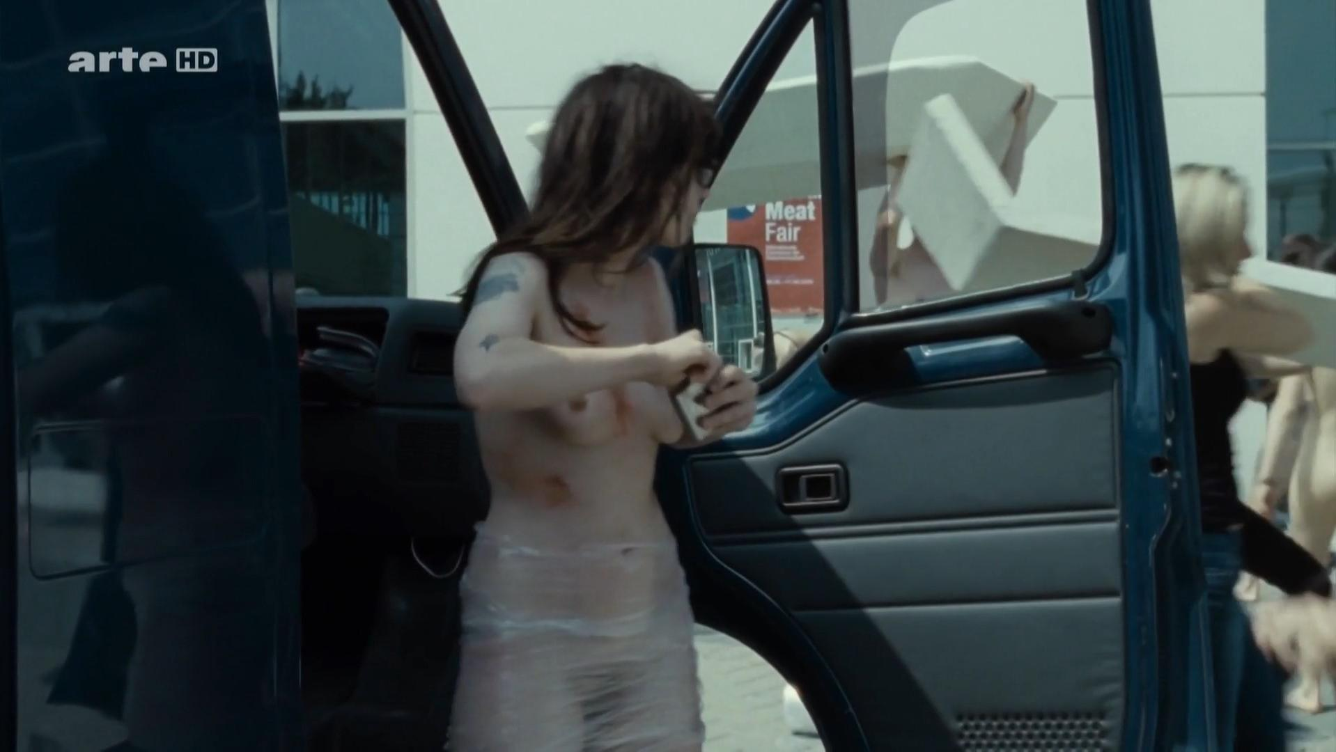 Adele exarchopoulos nude boobs and butt in eperdument - 1 part 2