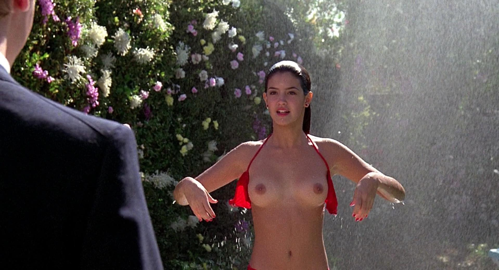 Phoebe Cates nude - Fast Times at Ridgemont High (1982)