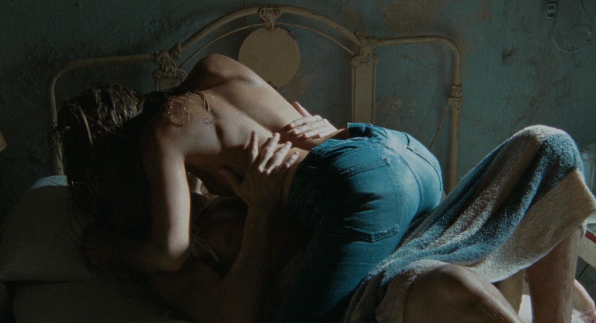 Amber Heard nude - The Rum Diary (2011)