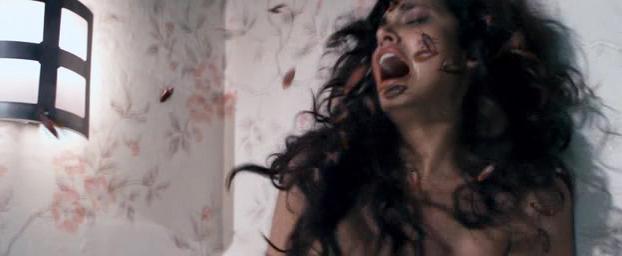 Esha Gupta sexy - Raaz 3 (2012)