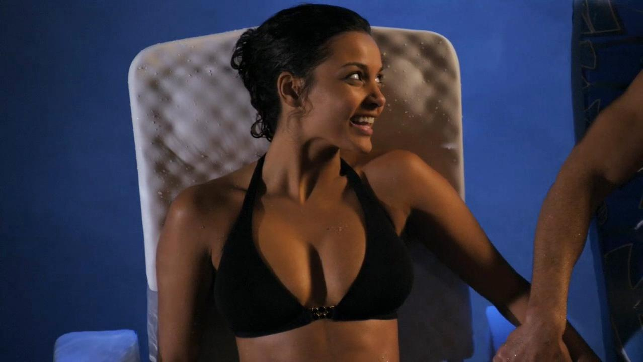 Jessica Lucas sexy - Melrose Place s01 (2009)