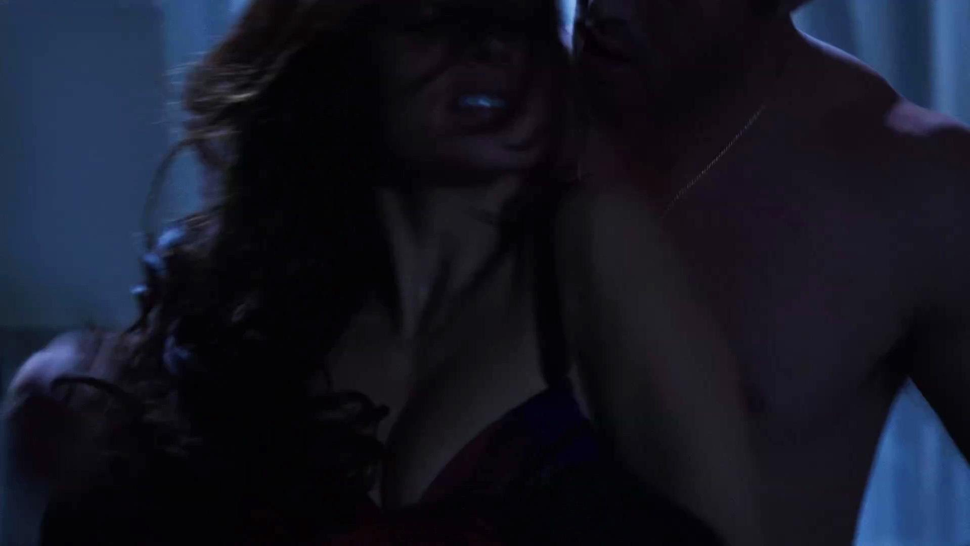 Sarah Shahi sexy - Chicago Fire s01e10 (2012)