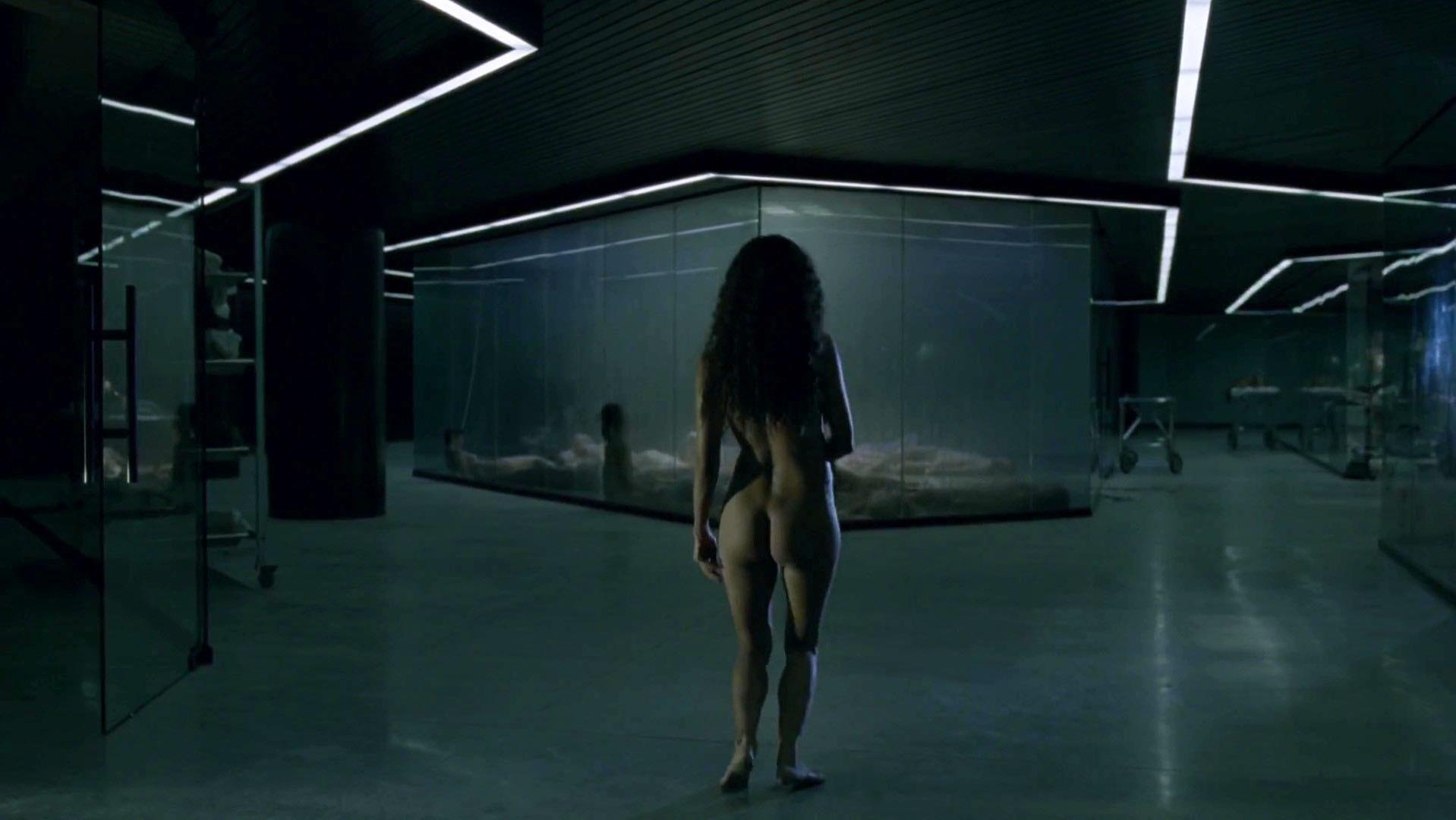 Thandie Newton nude - Westworld s01e02 (2016)