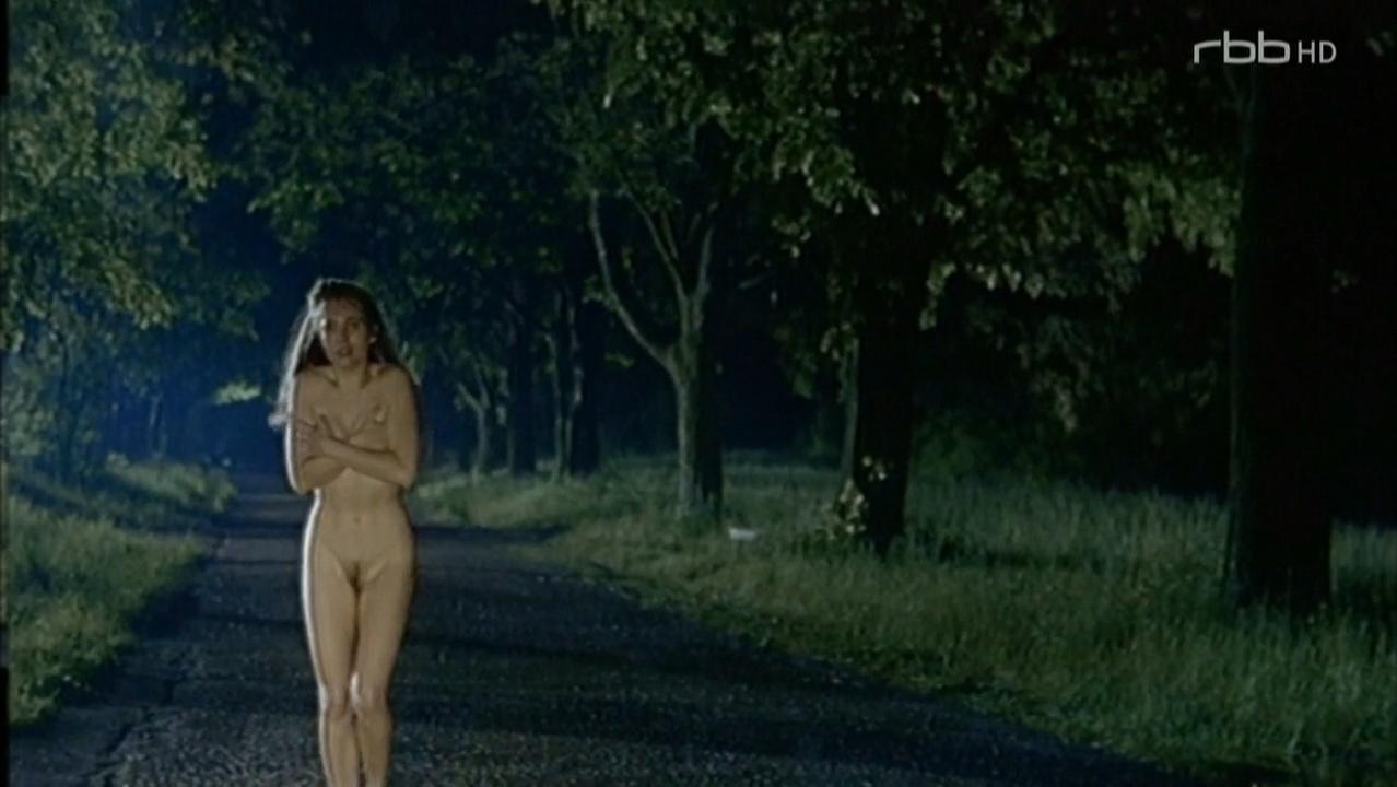 Nadja Uhl nude, Alexandra Schild nude - Polizeiruf 110 s25e04 (1996)