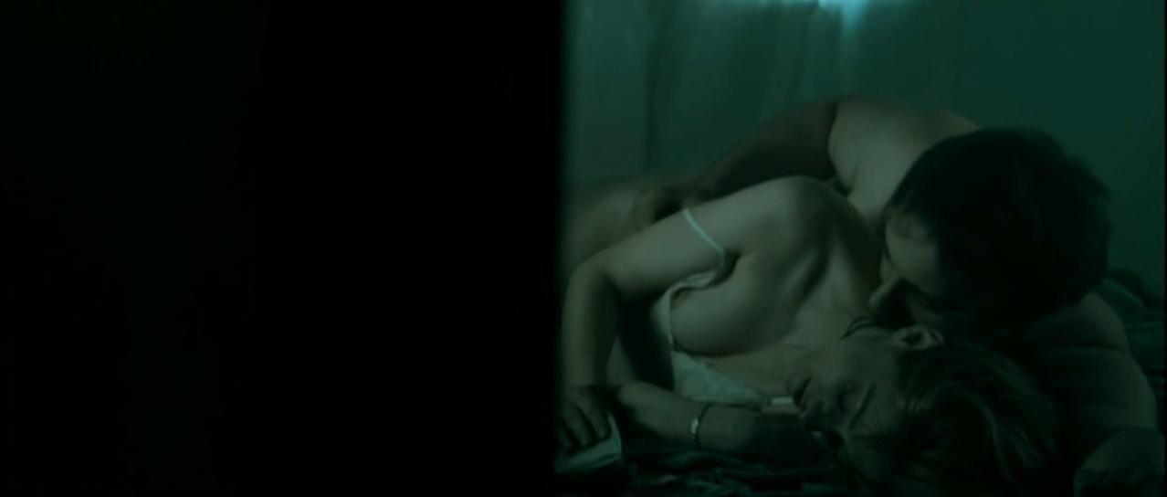 Malgorzata Buczkowska nude - Oda Do Radosci (2005)