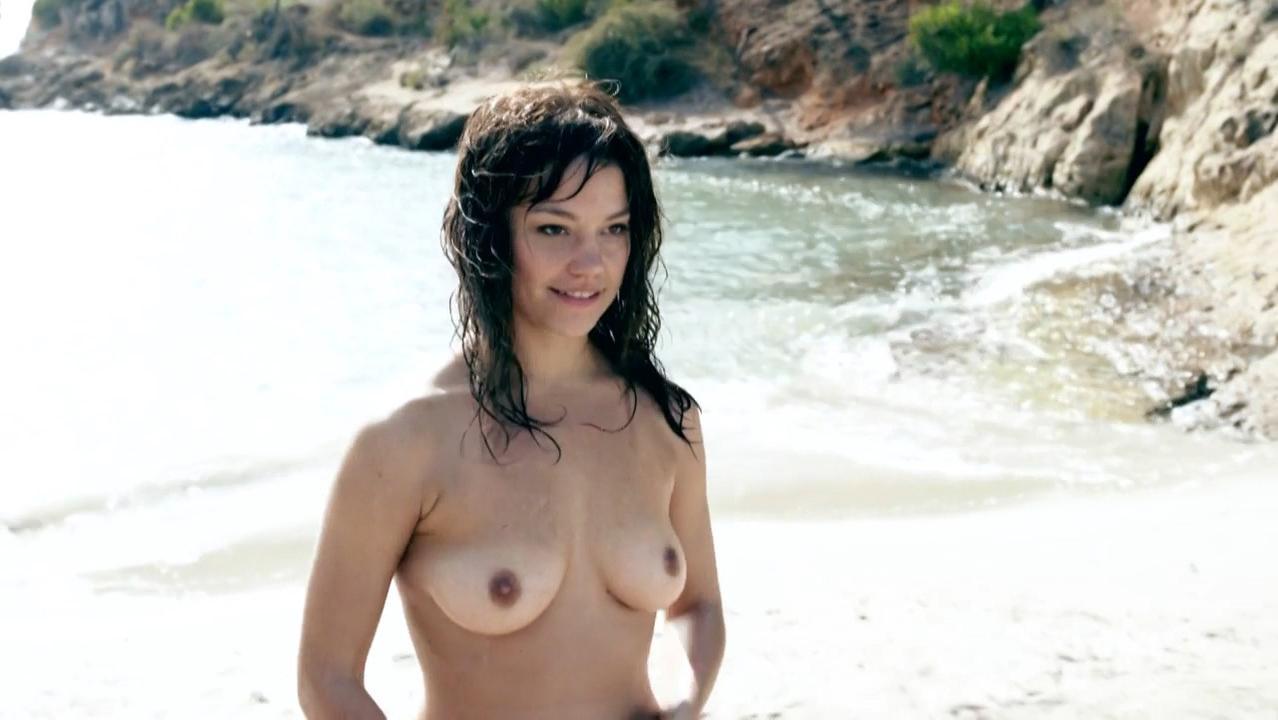 Britta Hammelstein nude - Verbrechen s01e01 (2013)
