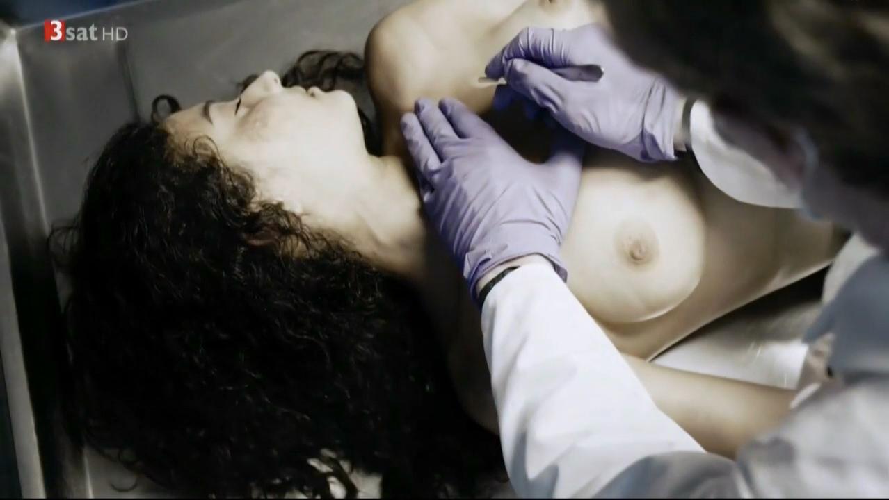 Camilla Gomes dos Santos nude - Der Bestatter s03e01 (2015)